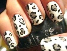 Вічна класика манікюру: леопардовий манікюр