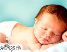 Яким повинен бути стілець новонародженого