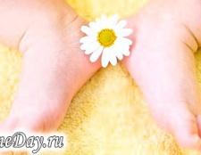 Лущиться шкіра у новонародженого: що робити?